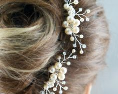 Maya Pearl Hair Comb Flora Headpiece Wedding por jewellerymadebyme