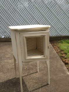 cute hutch-dresser with fold up desk needs work - cont in ... - Wohneinrichtung In Garage