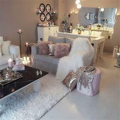 32 Gorgeous Winter Living Room Decor You Should Copy Now You are in the right place about classy hom Winter Living Room, Living Room Decor Apartment, Living Room Designs, Apartment Living Room, Winter Living Room Decor, Glam Living Room, Classy Living Room, Room Design, Apartment Decor