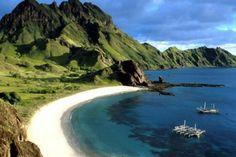 Senggigi beach, Lombok Island,  '88 huwelijksreis naar Indonesië met een start in Singapore, daarna Sumatra, Java, Lombok, Bali en Sulawesi. Wat een ervaring!