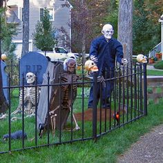 Halloween graveyards are among the most popular sites to see during the Halloween season, and in this article we show ideas on what other people have made, and how to put one together yourself.  All you have to do is get some ghosts, tombstones, skeletons, and accessories like rats and ravens and you're ready to go. Halloween Fence, Halloween Outside, Halloween Graveyard, Halloween Trees, Halloween Skeletons, Halloween 2017, Halloween Season, Halloween Ghosts, Halloween House