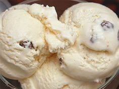 Delicious homemade no-churn rum & raisin ice cream No Churn Ice Cream, Coffee Ice Cream, Cookbook Recipes, Cooking Recipes, Food Network Recipes, Food Processor Recipes, Rum Raisin Ice Cream, The Kitchen Food Network, Homemade Ice Cream