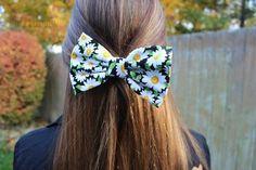 daisy bow