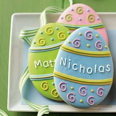 Personalized Easter Egg Cookies @ Williams-Sonoma Cute Door Hangers with Family Name or Welcome No Egg Cookies, Galletas Cookies, Fancy Cookies, Easter Cookies, Easter Treats, Holiday Cookies, Sugar Cookies, Cookies Et Biscuits, Heart Cookies
