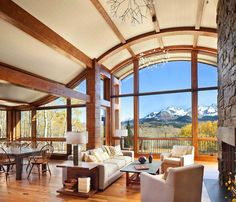 Colorado mountain cabin perfectly frames views of Mount Wilson