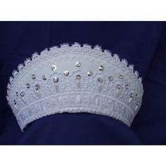 Menyasszonyi párta, csipkés párta Pearl And Lace, Pearl White, Headdress, Wedding Accessories, Pairs, Costumes, Bride, Wedding Dresses, Jewelry