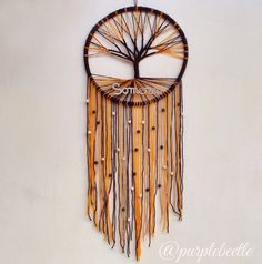 Gorgeous tree and roots dream catcher x Macrame Art, Macrame Knots, Feather Art, Thread Art, Craft Night, Wire Art, String Art, Tree Of Life, Hippie Style