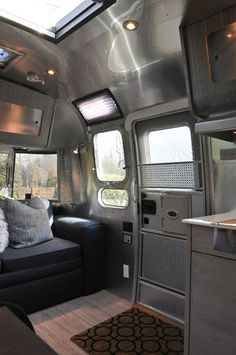 2005 AirStream International Luxury Remodel in RVs & Campers It's the caravan they would have had on the Jupiter Airstream Living, Airstream Campers, Airstream Remodel, Airstream Renovation, Airstream Interior, Vintage Airstream, Trailer Remodel, Remodeled Campers, Vintage Trailers
