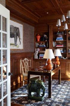 In Good Taste: Sam Allen - Design Chic - love the office -great wood paneling! Interior Wood Paneling, Staircase Remodel, Home Repairs, Winter House, Traditional House, Home Office, Office Spaces, Family Room, Sweet Home