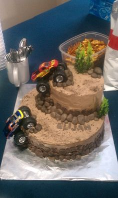 Monster Truck Cake..I can do this one myself  :)