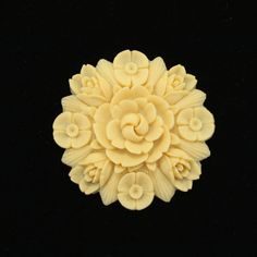 Carved Molded Floral Brooch Pin c 1930 Japan Vtg Jewelry.
