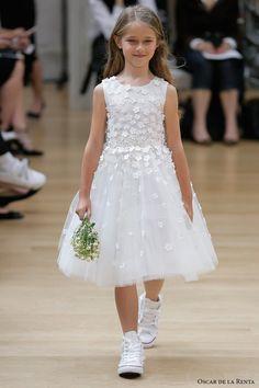 oscar de la renta spring 2018 bridal pretty flower girl dress (103) mv -- Oscar de la Renta Spring 2018 Wedding Dresses
