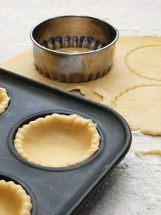 Crepes, Football Cake Toppers, Pizza Tarts, The Kitchen Food Network, Baking Basics, Birthday Cake Decorating, Bread And Pastries, Happy Birthday Cakes, Food Network Recipes