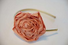 DIY Tutorial: Flower Crafts / DIY Fabric Flower Headband - Bead&Cord