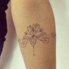 Bracelete com lotus pra coleção da Jessica, obrigada amei fazer esse trabalho…