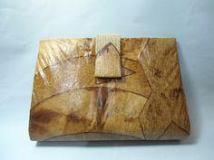 Maxi Carteira de Mão confeccionada com caixa tetra pak, filtro de e juta crua.