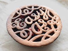 easy as pie | crust decorating fun