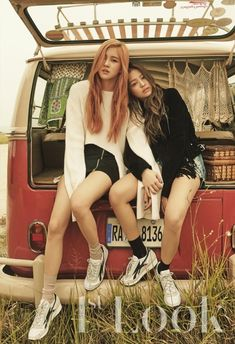 Black Pink rock vintage casual fashion for '1st Look'