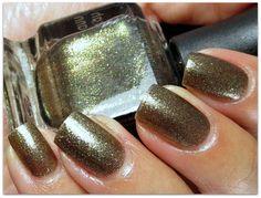 Best Metallic Nail Polish Shades – Our Top 10
