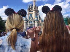 Vous êtes déjà allée chez Disney avec votre meilleure amie?