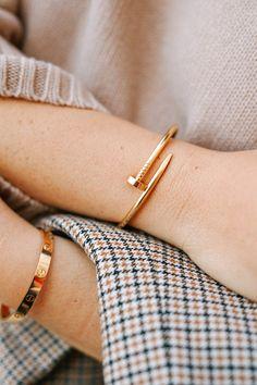 Juste un Clou Armreif: Juste un Clou Armreif, 18 Karat Gelbgold. Cartier Armband, Cartier Bracelet, Cartier Jewelry, Jewelery, Clou Cartier, Cartier Gold, Dainty Jewelry, Simple Jewelry, Jewelry Accessories