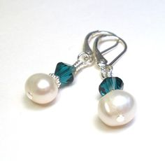 Jewelry Earrings Pearl sterling silver handmade birthstone bridal wedding bridesmaid gift swarovski crystals crystal earrings emerald green may birthday glass pearl swarovski pearl