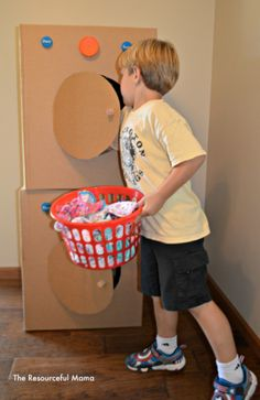 Turn your recyclable cardboard boxes into a washer and dryer for a fun filled pretend play activity for kids.