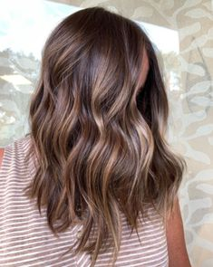"""The Biggest Hair Color Trends for 2020 """"New year, new me"""" might be tired, but you know what isn't? A hair change. It's easy, it's fun, and there's no shortage of cool hair-color trends to try right now. Brown Hair Balayage, Brown Blonde Hair, Hair Highlights, Rich Brown Hair, Color Highlights, Blonde Brunette, Brown Hair With Golden Highlights, Brunette Mid Length Hair, Brown Hair For Fall"""