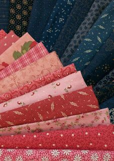Knot Garden; Double Pinks and Cadet Blue are among my favorite colors in reproduction fabrics.