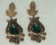 Women's Fashion Ornate Goldtone Long Dangle Green Stone Pierced Earrings #Unbranded