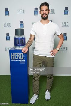 Real Madrid football player Isco Alarcon presents his frangance 'Hero' on May 2018 in Madrid, Spain. Real Madrid Football, Real Madrid Players, Divas, Hero Hero Hero, Equipe Real Madrid, Isco Alarcon, Football Players, Bb, Spain