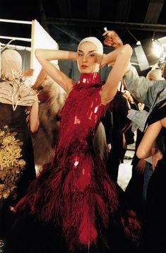 Backstage at Alexander McQueen S/S VOSS . Alexander McQueen totally unique glass medicinal lab-slides bodice with red smears . all layered like fish scales. 'Savage beauty'- taken from the book 'Love Looks…' Fashion Week, Fashion Show, Fashion Design, Paris Fashion, Unique Fashion, High Fashion, Women's Fashion, Alexander Mcqueen Couture, Alexander Mcqueen Savage Beauty