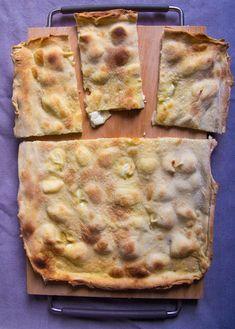 Focaccia di Recco: Cheese stuffed bread from Liguria, Italy Italian Dishes, Italian Recipes, Cheese Recipes, Bread Recipes, Focaccia Bread Recipe, Savoury Bakes, Stuffed Bread, Cookie Tray, Cheese Bread