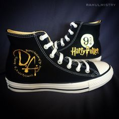 Harry Potter Converse, Harry Potter Shoes, Harry Potter Outfits, Harry Potter Theme, Harry Potter Diy, Hand Painted Shoes, Everyday Shoes, Shoe Art, Girls Sneakers