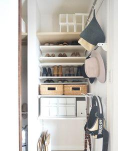 【壁面ラック】もっと早く知りたかった!標準シューズクローク大改造しちゃいました | ほんとうに必要な物しか持たない暮らし◆Keep Life Simple◆〜インテリアのきろく〜 Shoe Rack, Diy And Crafts, Furniture, Home Decor, Decoration Home, Room Decor, Shoe Racks, Home Furnishings, Home Interior Design