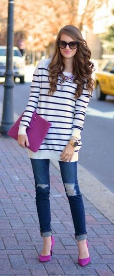 Lovely Pink bag and heels Oversized Striped Tunic Street Fashion Outfit. Casual spring cosy wearing style for women. Not loving the skinny jeans. Need a midi skirt. Fashion Mode, Fashion Outfits, Fashion Trends, Street Fashion, High Fashion, Fashion Ideas, Color Composition, Casual Outfits, Cute Outfits