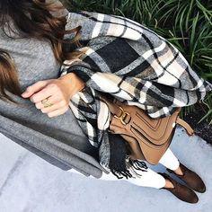 5 OUTFTIS CASUALES MUY LINDOS PARA ESTE INVIERNO Hola Chicas!!! Les dejo una galería de fotografías con 5 outfits hermosos  para el día a día, con los que te veras muy bella este invierno.