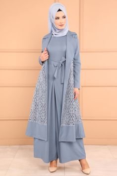 Affordable prices on new tops, dresses, outerwear and more. Batik Fashion, Abaya Fashion, Modest Fashion, Fashion Dresses, Hijabi Gowns, Moslem Fashion, Simple Gowns, Modele Hijab, Abaya Designs
