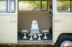 wedding cake, straight outta the VW Bus :)