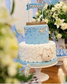 Bolo lindo de ovelhinha  Imagem do @festejarcomamor bolo por. @ateliedoacucar  #mae_festeira #cake #sugarart #bolo #torta #pastel #chadebebe