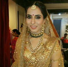 Chandni Singh salon