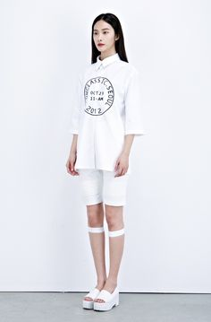 Kwak Jiyoung for Low Classic S/S 2013 collection by Hwang Hyejung.
