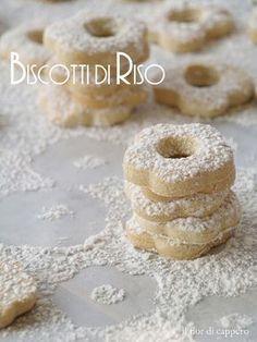 Biscotti con farina di riso, gluten-free. Ottimi a colazione, per il tè. Lasciatevi conquistare da consistenza e gusto di questa frolla.