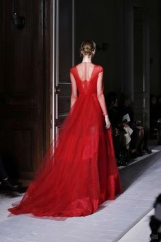 VALENTINO HOUTE COUTURE SPRING/SUMMER 2013 - always red - dress