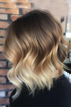 brunette hair Hair Color 2018 Highlighted hair looks fab whether your base color is light or dark. Hair Styles 2016, Medium Hair Styles, Curly Hair Styles, Hair Medium, Hair Color 2017, Ombre Hair Color, Short Balayage, Balayage Hair, Brown Balayage
