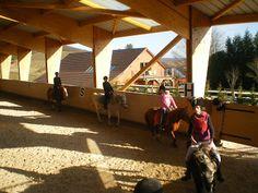 Centre équestre Ecurie sur Lavale à Chevannes en bourgogne - chevaux et poneys. Ecole d'équitation en bourgogne. Ballade à cheval et à poney. A 10 minutes du gîte !