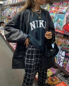 * I love this outfit sm, this is giving me boho CHIC bbg😻 Hip Hop Outfits, Indie Outfits, Retro Outfits, Cute Casual Outfits, Vintage Outfits, Fashion Outfits, Travel Outfits, Vintage Clothing, Indie Clothes