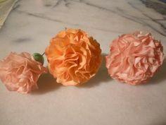 Tutorial decorazioni garofani pdz (gumpaste carnations) by Italiancakes
