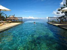 балийский инфинити-бассейн в отеле Munduk Moding Plantation
