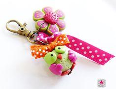 Bijou de sac Mon Chouette Hibou fimo et petite fleur : Porte clés par sihu-bijoux